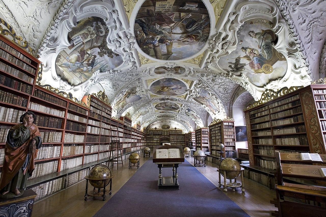 1280px-Strahov_Theological_Hall,_Prague_-_7565